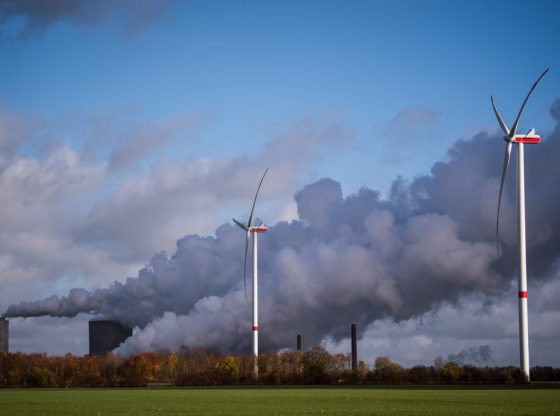 Capturing carbon emissions could move world to clean energy future